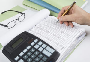 how your business can benefit from a bookkeeper